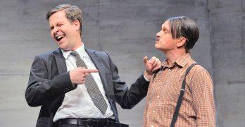 """""""Er ist wieder da"""" – Theater in der Stadthalle Olpe"""