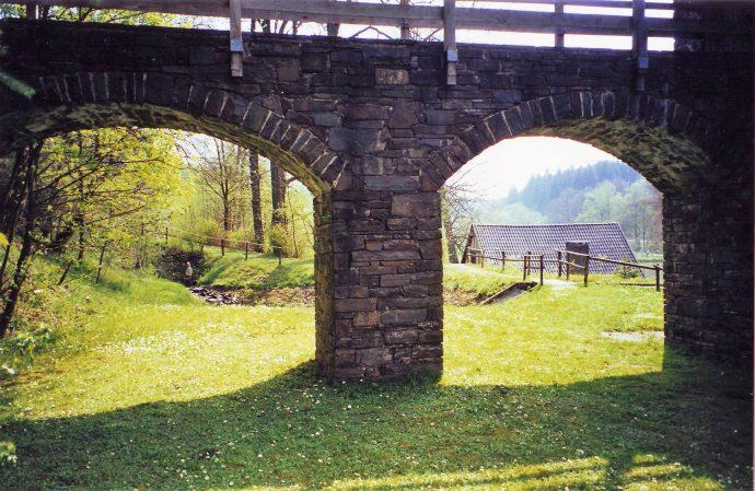 Wendener Hütte - Blick durch Möllerbrücke