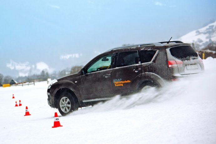 Trainingsparcours - Wintertraining - Verkehrssicherheitszentrum Olpe