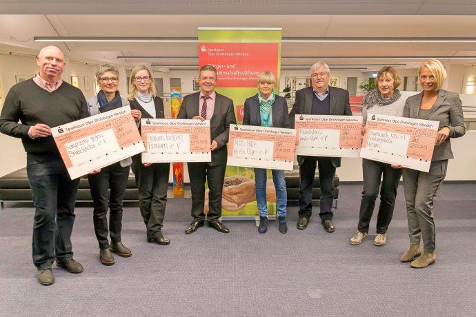 Sparkassen-Stiftung spendet an fünf Vereine - 2019