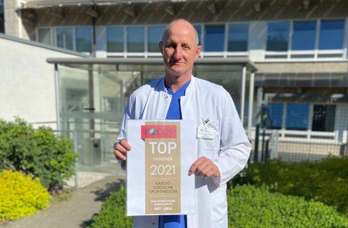 Chefarzt PD Dr. Frank van Buuren - St. Martinus-Hospital Olpe