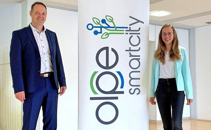 Bürgermeister Peter Weber und Lea Hartmann - Smart City Olpe